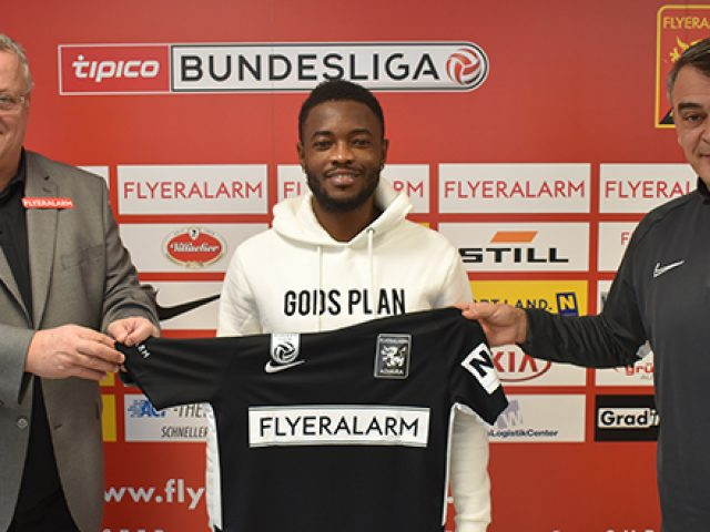 HOLT OFFENSIV-SPIELER DAVID ATANGA